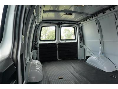 2018 Express 2500 4x2,  Empty Cargo Van #J1334773 - photo 2