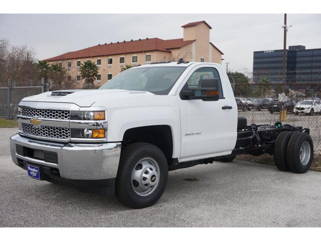 2019 Silverado 3500 Regular Cab DRW 4x2,  Cab Chassis #KF160339 - photo 3