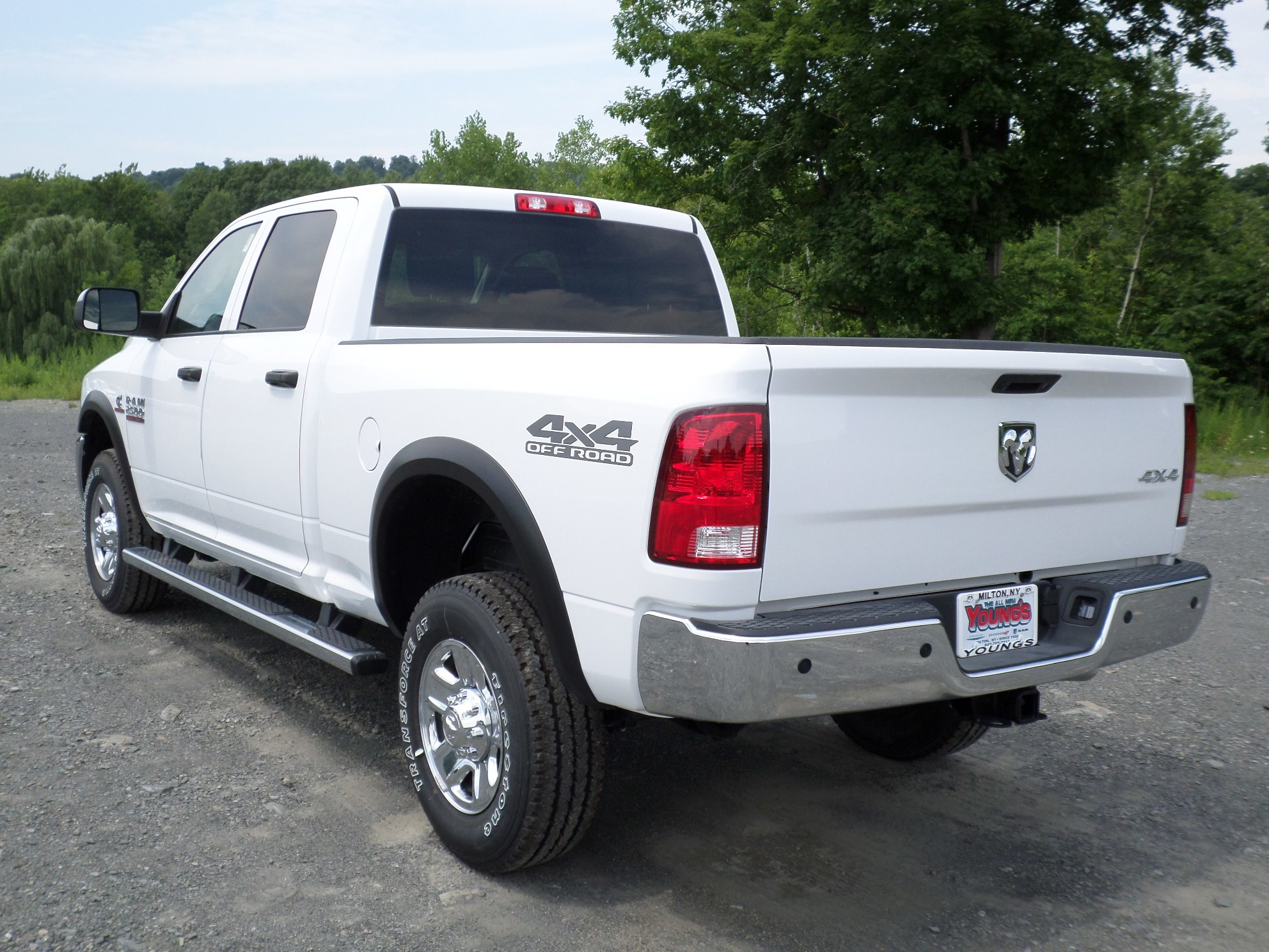 2018 Ram 2500 Crew Cab 4x4,  Pickup #JG223001 - photo 2