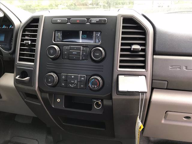 2019 Ford F-350 Regular Cab DRW RWD, Cab Chassis #61592F - photo 8