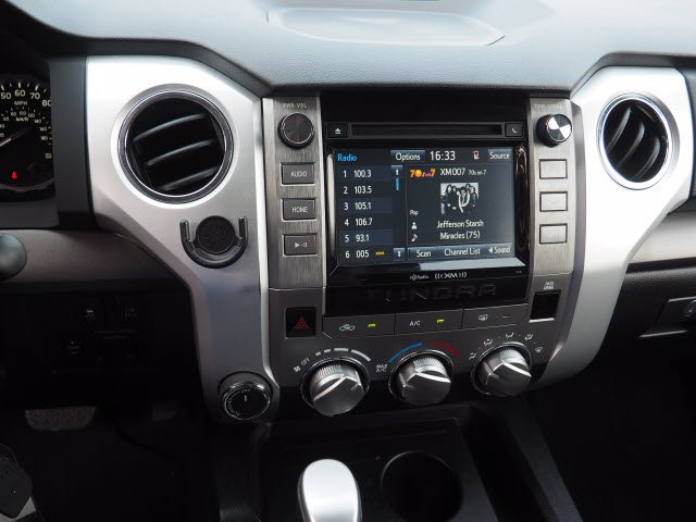 2018 Toyota Tundra Crew Cab 4x4, Pickup #62268A - photo 19