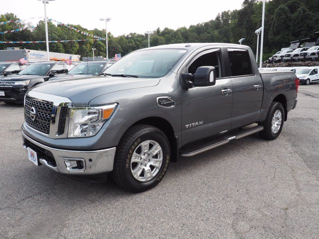 2017 Nissan Titan Crew Cab 4x4, Pickup #62307A - photo 3