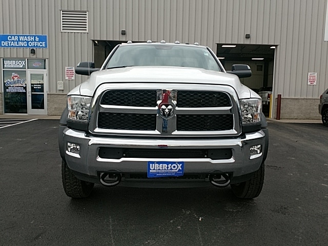 2017 Ram 5500 Regular Cab DRW 4x4,  Cab Chassis #HG699031 - photo 3