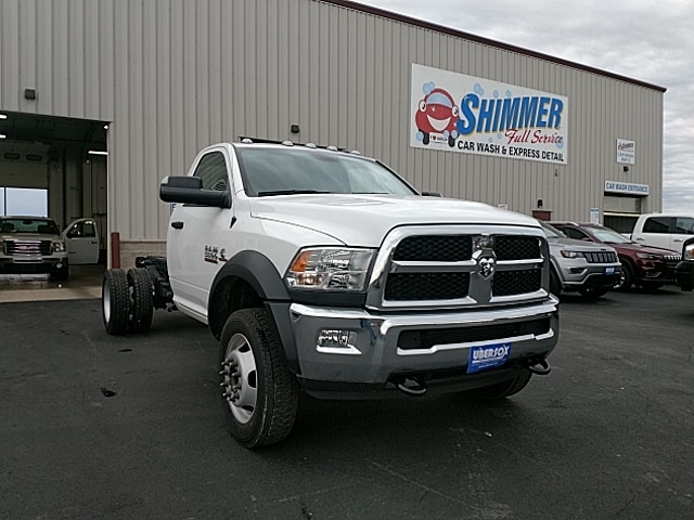 2017 Ram 5500 Regular Cab DRW 4x4,  Cab Chassis #HG699031 - photo 4