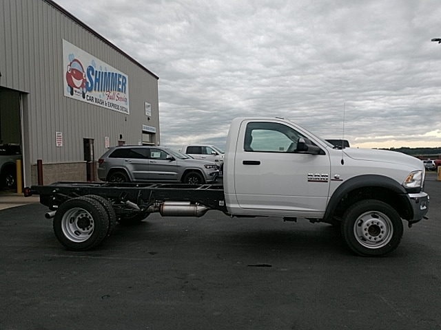 2017 Ram 5500 Regular Cab DRW 4x4,  Cab Chassis #HG699031 - photo 5