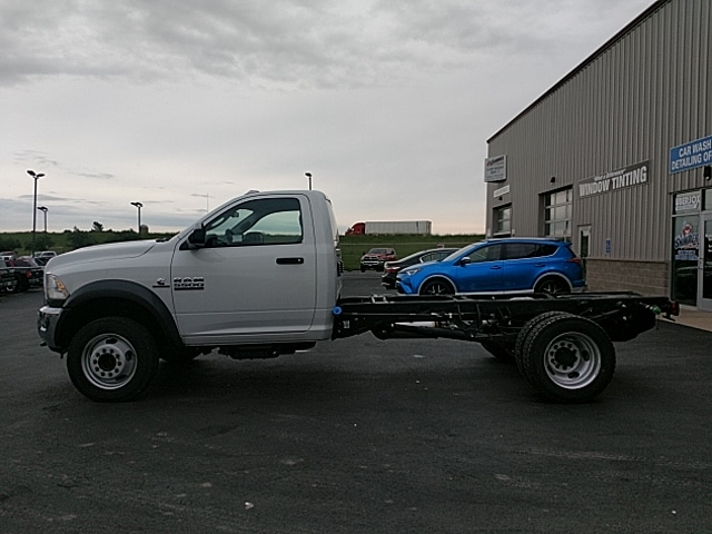 2017 Ram 5500 Regular Cab DRW 4x4,  Cab Chassis #HG699031 - photo 8