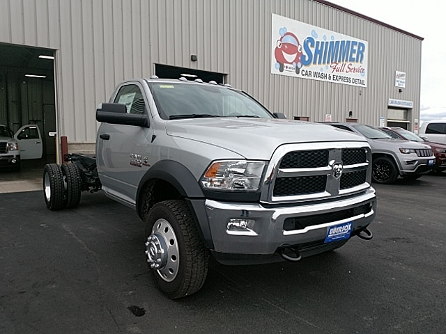 2017 Ram 5500 Regular Cab DRW 4x4,  Cab Chassis #HG710986 - photo 4