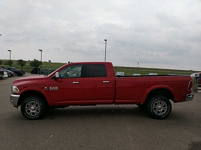 2017 Ram 3500 Crew Cab 4x4,  Pickup #HG736579 - photo 8