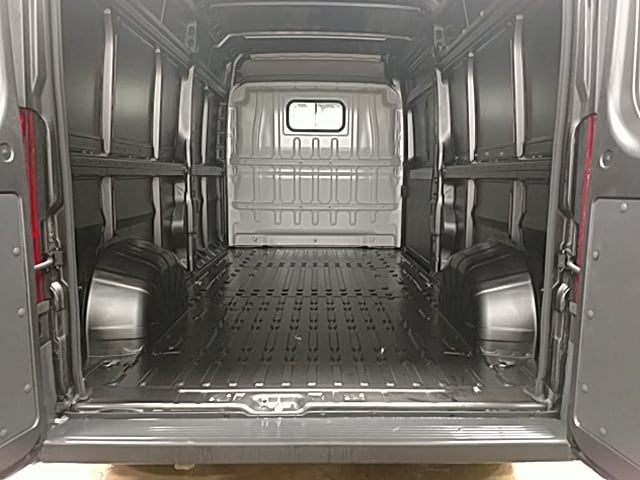2018 ProMaster 2500 High Roof 4x2,  Empty Cargo Van #JE116216 - photo 2