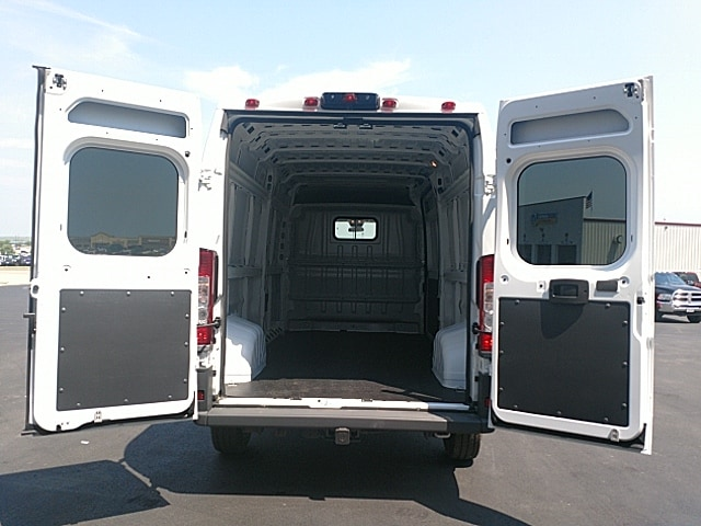 2018 ProMaster 2500 High Roof 4x2,  Empty Cargo Van #JE124888 - photo 2