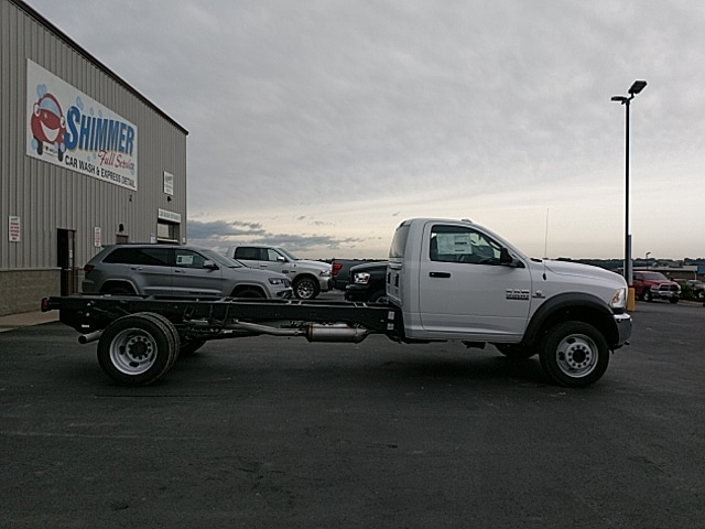 2018 Ram 5500 Regular Cab DRW 4x2,  Cab Chassis #JG179711 - photo 5