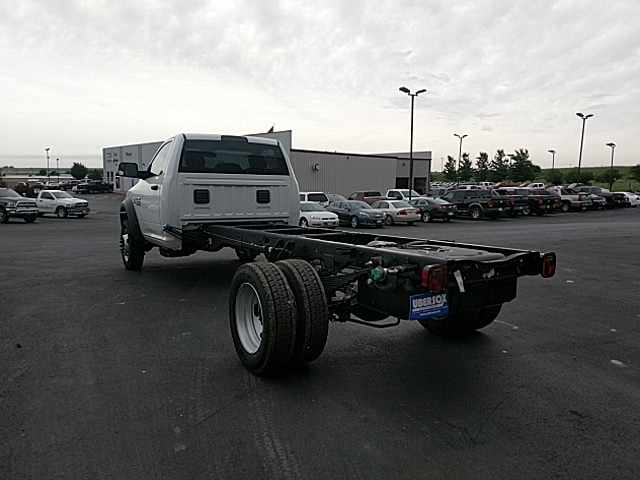 2018 Ram 5500 Regular Cab DRW 4x2,  Cab Chassis #JG179711 - photo 2