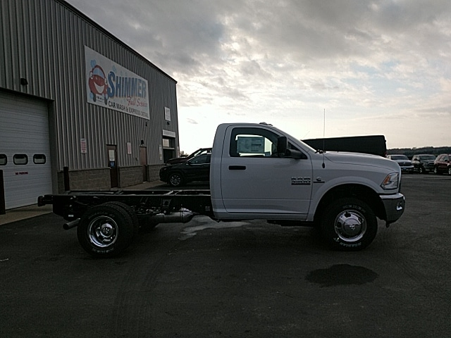 2018 Ram 3500 Regular Cab DRW 4x4,  Cab Chassis #JG355747 - photo 5