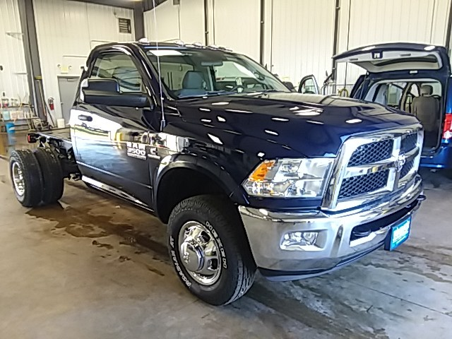 2018 Ram 3500 Regular Cab DRW 4x4,  Cab Chassis #JG355748 - photo 4