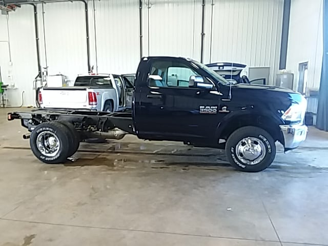 2018 Ram 3500 Regular Cab DRW 4x4,  Cab Chassis #JG355748 - photo 5