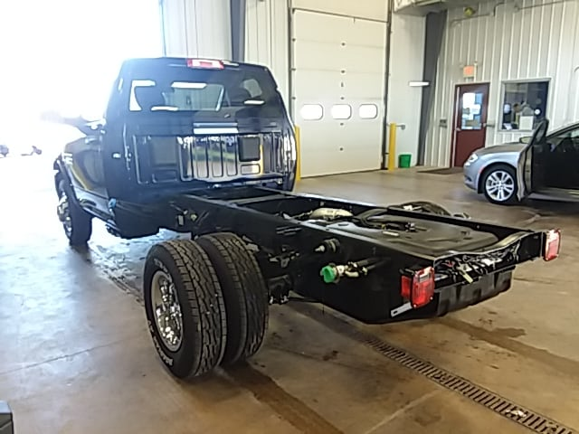 2018 Ram 3500 Regular Cab DRW 4x4,  Cab Chassis #JG355748 - photo 2