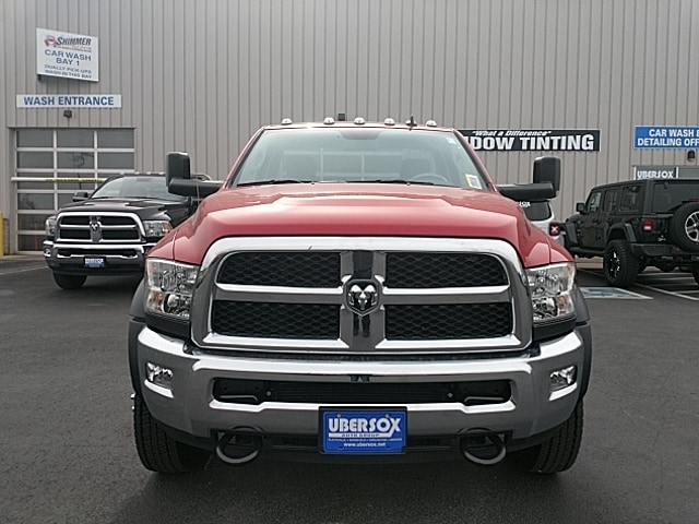2018 Ram 5500 Regular Cab DRW 4x4,  Cab Chassis #JG371735 - photo 3