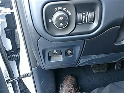 2019 Ram 1500 Crew Cab 4x4,  Pickup #KN686900 - photo 28