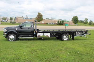 2021 Ram 5500 Regular Cab DRW 4x4,  Miller Industries Century Rollback Body #UT2584 - photo 4