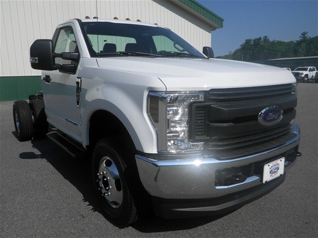 2018 F-350 Regular Cab DRW 4x4,  Cab Chassis #F14852 - photo 3