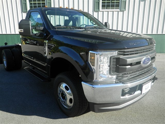2018 F-350 Regular Cab DRW 4x4,  Cab Chassis #F15074 - photo 3