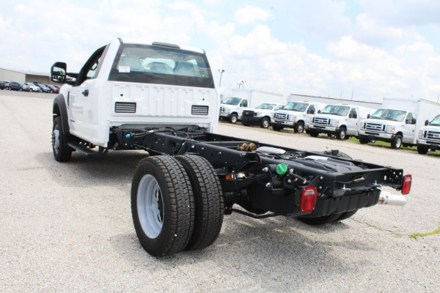2018 F-550 Regular Cab DRW 4x2,  Cab Chassis #CF8139 - photo 2