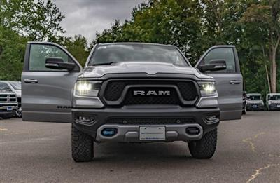 2019 Ram 1500 Crew Cab 4x4,  Pickup #RT1530405 - photo 3