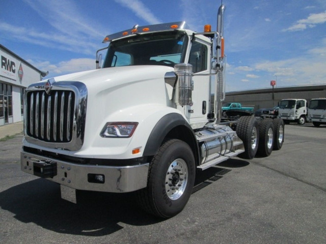 2020 International HX 6x4, Tractor #N289443 - photo 1