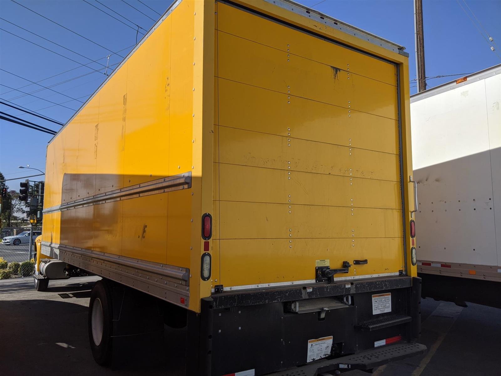 2017 International DuraStar 4300 4x2, Dry Freight #HL458500 - photo 1