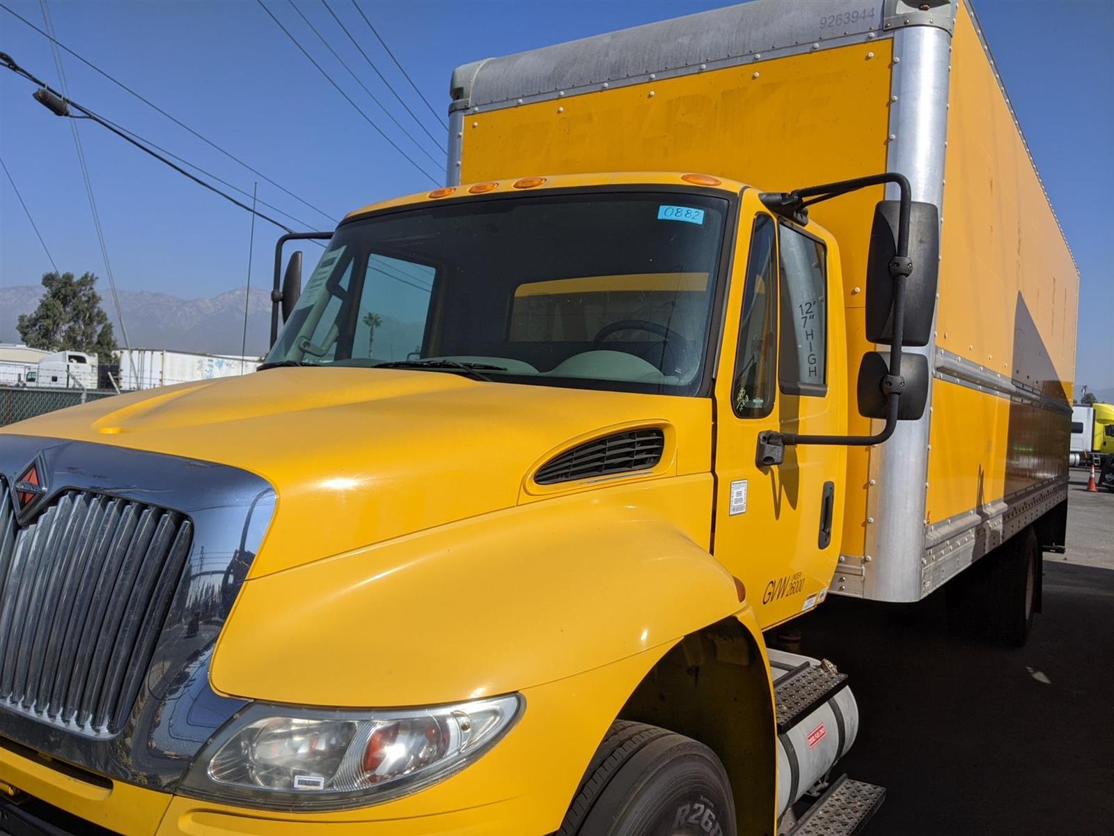2017 International DuraStar 4300 4x2, Dry Freight #HL459455 - photo 1