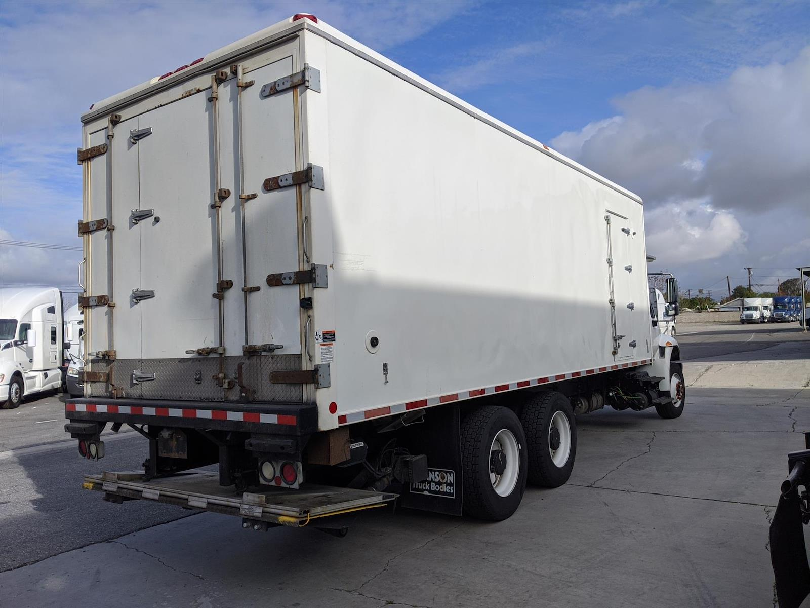 2018 International DuraStar 4400 6x4, Refrigerated Body #JL530050 - photo 1