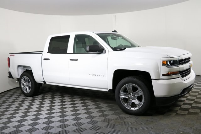 2018 Silverado 1500 Crew Cab 4x4,  Pickup #8442 - photo 4