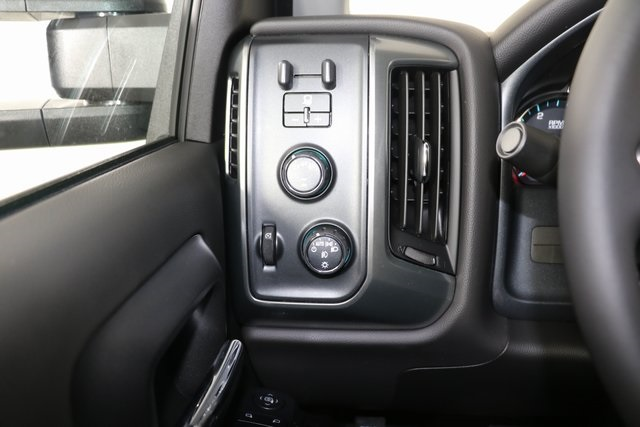 2019 Silverado 2500 Crew Cab 4x4,  Pickup #9087 - photo 19