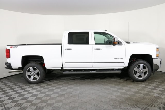 2019 Silverado 2500 Crew Cab 4x4,  Pickup #9096 - photo 9