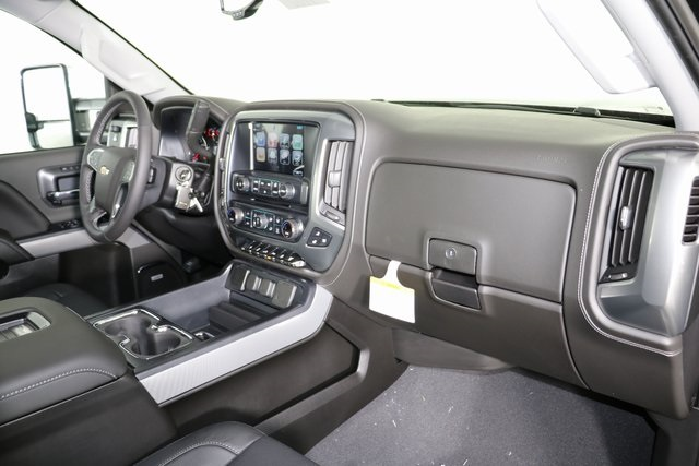 2019 Silverado 2500 Crew Cab 4x4,  Pickup #9102 - photo 33
