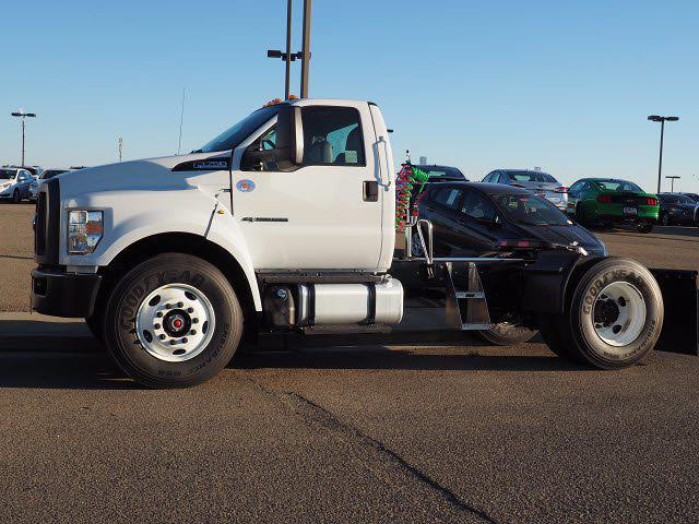 2019 Ford F-750 Regular Cab DRW 4x2, Cab Chassis #W1021 - photo 1