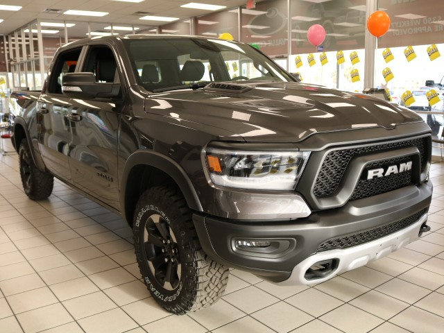 2019 Ram 1500 Crew Cab 4x4,  Pickup #R9136 - photo 3
