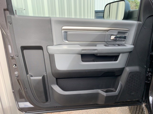 2018 Ram 3500 Regular Cab DRW 4x4,  Platform Body #181016 - photo 9