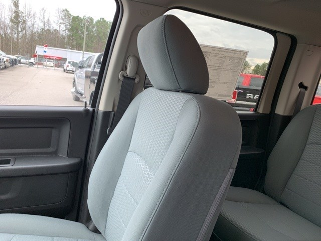 2018 Ram 3500 Crew Cab 4x4,  Pickup #181023 - photo 25