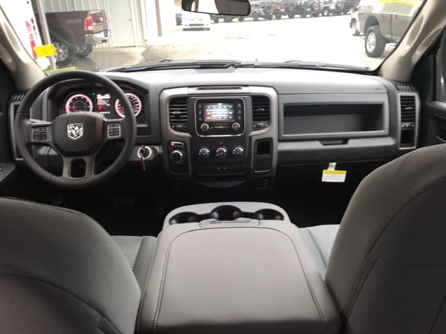 2018 Ram 1500 Crew Cab 4x2,  Pickup #18216 - photo 9