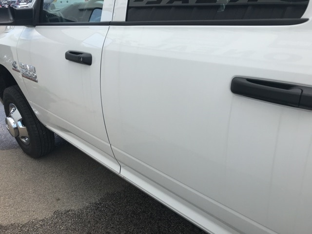 2018 Ram 3500 Crew Cab DRW 4x4,  Warner Service Body #18319 - photo 16