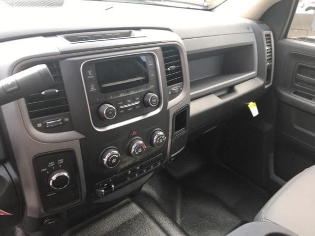 2018 Ram 3500 Crew Cab DRW 4x4,  Warner Service Body #18320 - photo 22