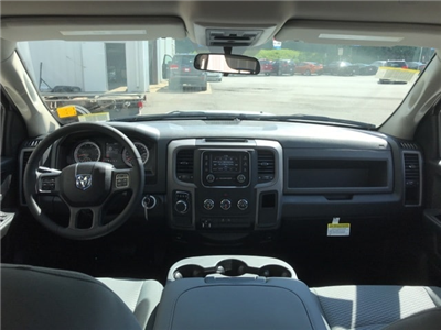 2018 Ram 1500 Crew Cab 4x2,  Pickup #18643 - photo 10