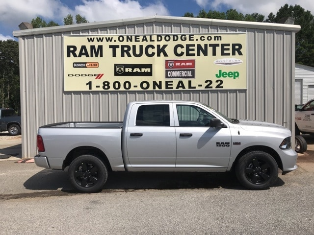 2018 Ram 1500 Crew Cab 4x2,  Pickup #18644 - photo 3