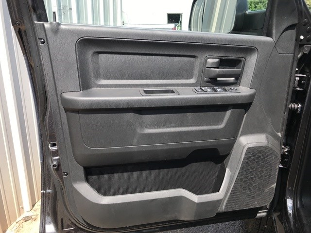 2018 Ram 3500 Crew Cab DRW 4x4,  Platform Body #18681 - photo 12