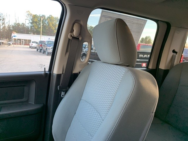 2018 Ram 3500 Crew Cab DRW 4x4,  Pickup #18985 - photo 25