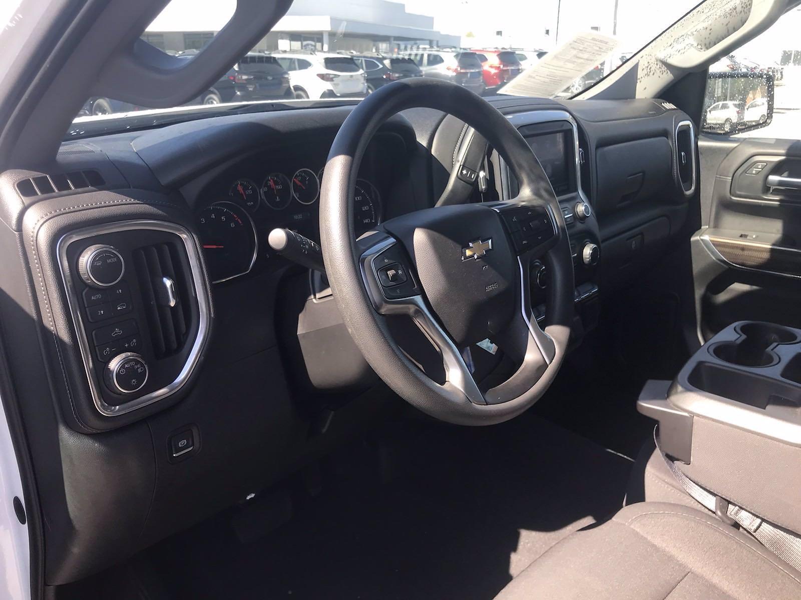 2020 Chevrolet Silverado 1500 Crew Cab 4x4, Pickup #16423PN - photo 22