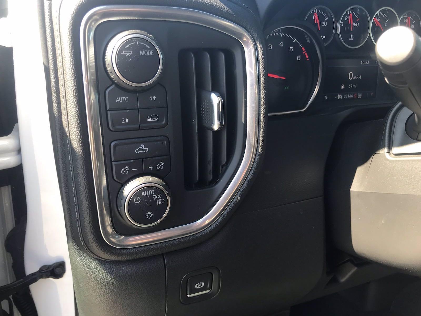 2020 Chevrolet Silverado 1500 Crew Cab 4x4, Pickup #16423PN - photo 23