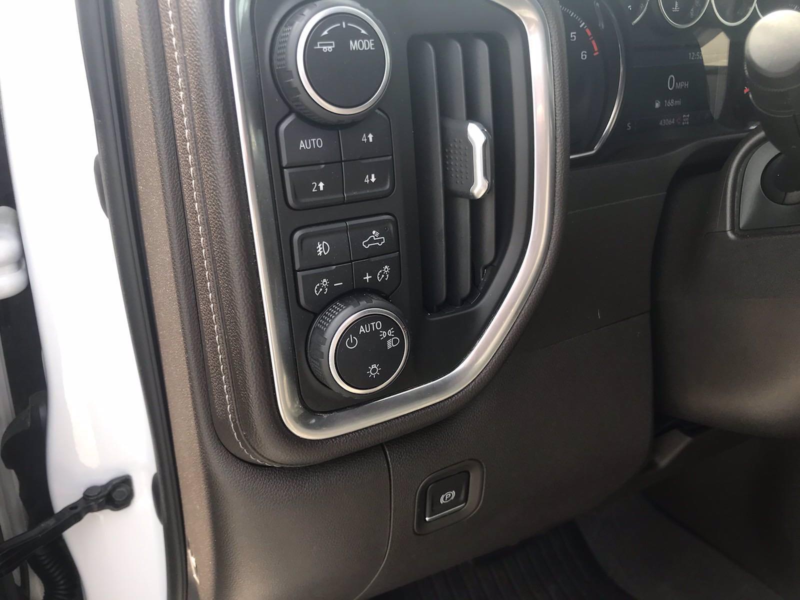2020 Chevrolet Silverado 1500 Crew Cab 4x4, Pickup #16431PN - photo 23