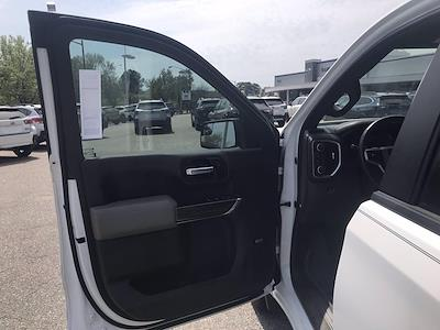 2020 Chevrolet Silverado 1500 Crew Cab 4x4, Pickup #16431PN - photo 19